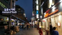 Night shopping at Venture of Youth in downtown Seoul